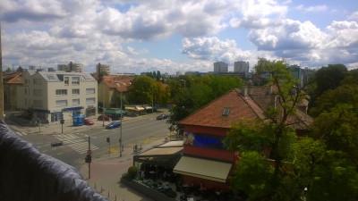 vyhled z balkonu